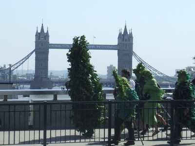 The 'green man' on London Bridge in 2007