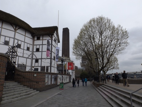 Thames Path at Shakespeare's Globe on anniversary eve